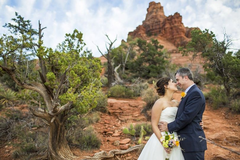 Sedona elopement on Bell Rock by Sedona wedding photographer Katrina Wallace at Sedona Bride...