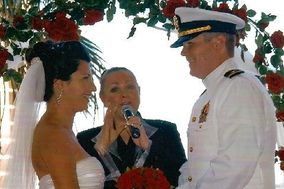 A Wedding Officiant Las Vegas - Dr. Micki D. Hecht