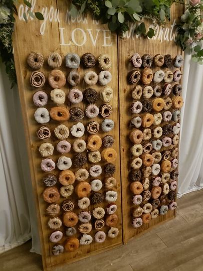 Double hinge donut wall