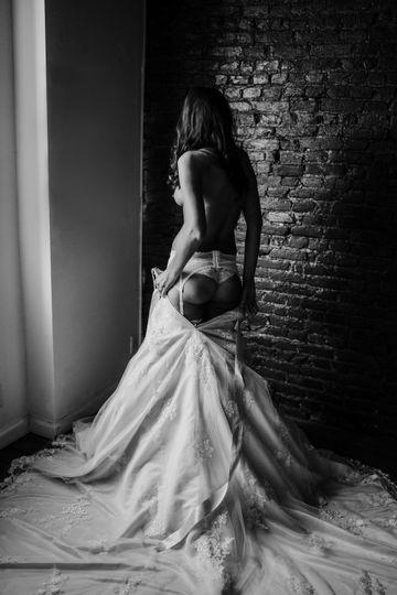 Bridal boudoir black and white