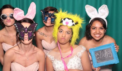 Divanyx Photobooth Rentals