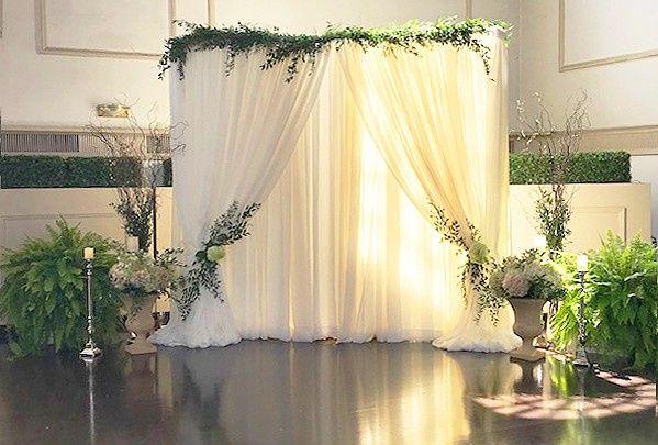 Tmx Ohara 2019 Curtain Alter Beauty Shot 1501 Ww 51 1862309 1573424572 Pittsford, NY wedding florist