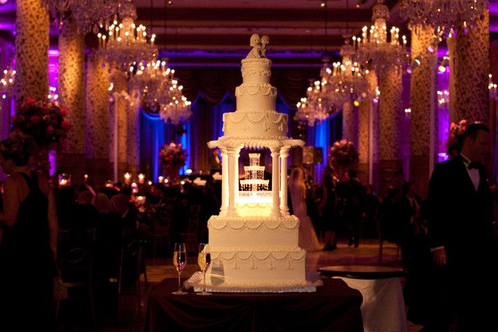 Wedding cake at Drake Hotel, Gold Coast Ballroom