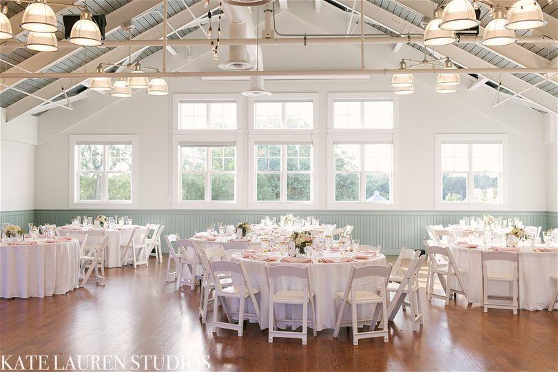 White weddings | Photo by kate lauren studios