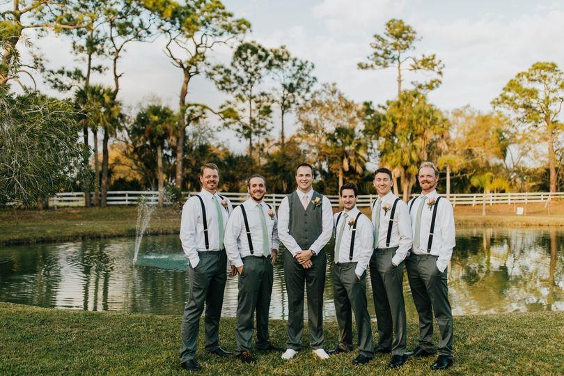 groomsmen 51 996309 1558393008