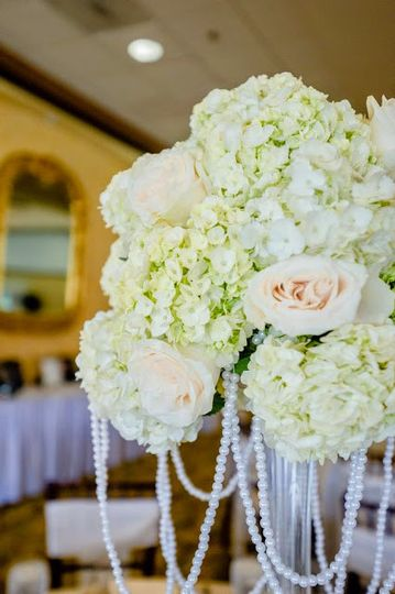 800x800 1429132677649 wedding flowers 6