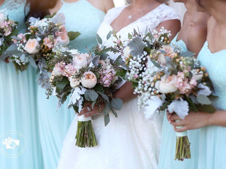 Tmx 1533310243 2b3617216ae406e0 1533310241 4e938c772fe9a71f 1533310234810 10 31882852 18103679 Tampa, Florida wedding florist