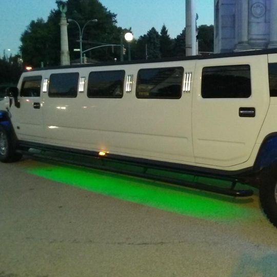 14 Passengers Hummer