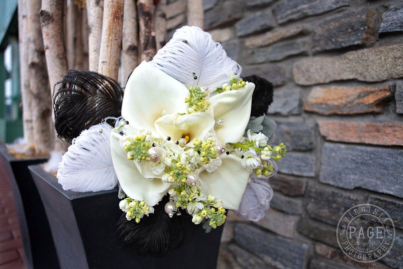 Bouquet with feathers