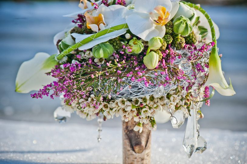 Modern floral bouquet with crystals