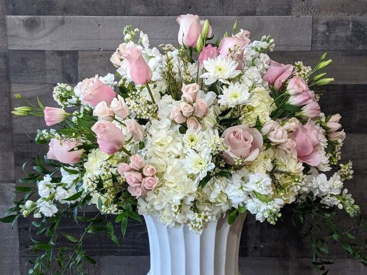 Tmx 00100dportrait 00100 Burst20191106134259371 Cover 51 431409 158515224328896 Londonderry, New Hampshire wedding florist