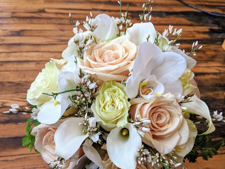 Tmx 1516127946 678f8b2f82204809 1516127943 9eaa8cc1dbcbceac 1516127938341 3 MVIMG 20171229 130 Londonderry, New Hampshire wedding florist