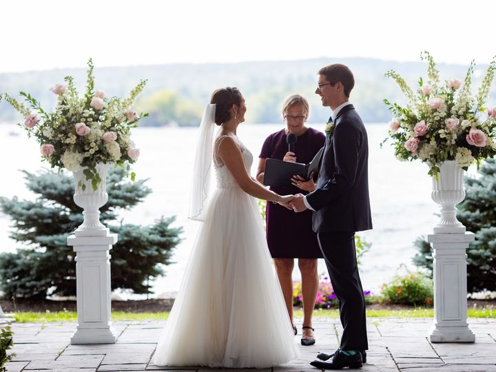 Tmx Oliviajaredwedding 130 51 431409 158515224357672 Londonderry, New Hampshire wedding florist