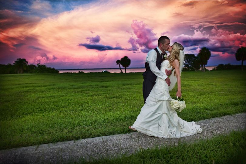 35b93199f1d3f86a Bride Groom Sunset