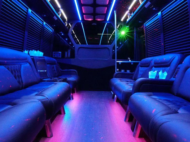 Tmx Dsc01633 51 114409 Farmington, Michigan wedding transportation