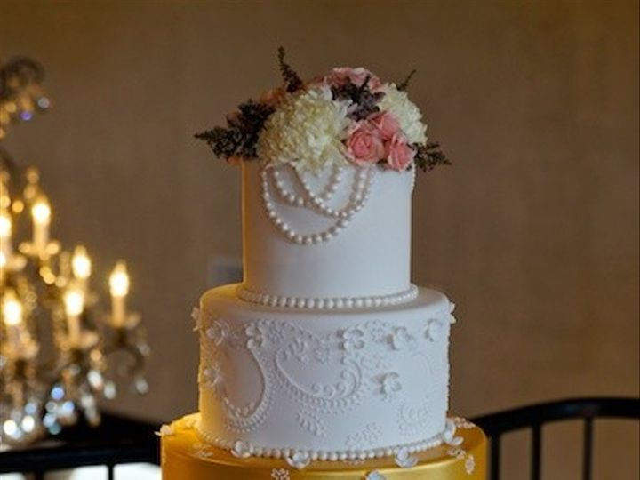Tmx 1425838491243 Gold White 2 Austin, Texas wedding cake