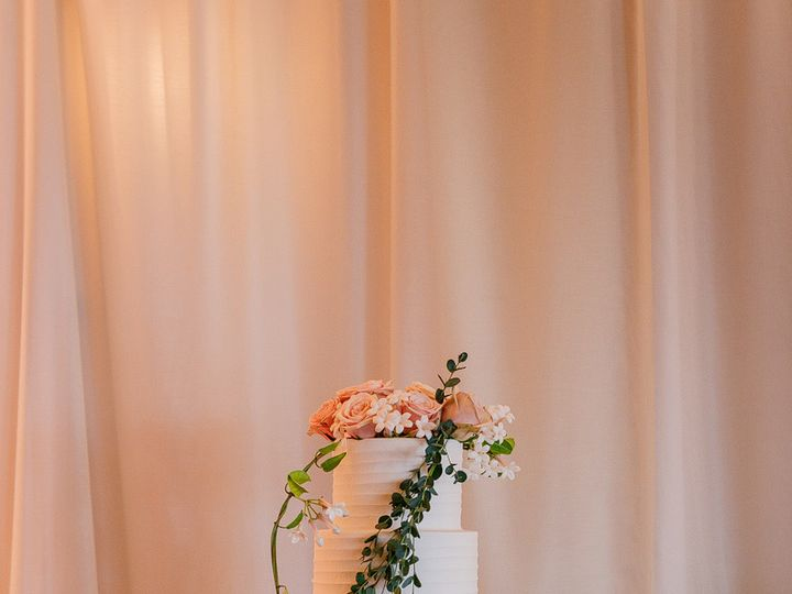 Tmx 1499543430325 Ksgr W 6052 Austin, Texas wedding cake