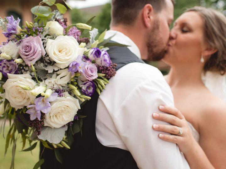 Tmx 29 51 1798409 158568899159683 Saint Peter, MN wedding florist