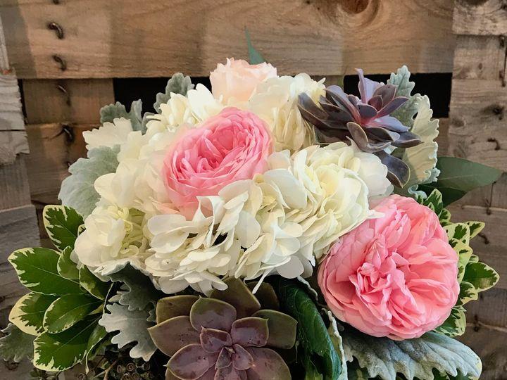 Tmx Img 8687 51 1798409 158568995795390 Saint Peter, MN wedding florist