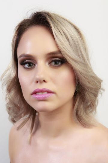 Simple makeup look | Photo by Sebastian Smith
