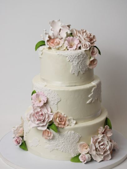 Sugar flowers and fondant lace
