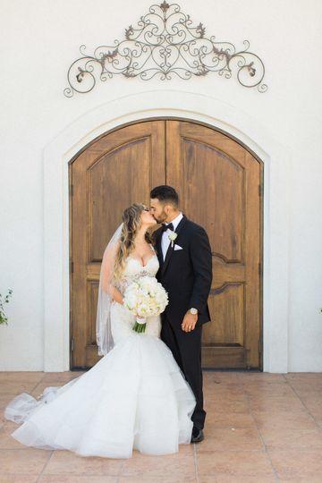 100ad8817824d6b4 1535167148 8c3adf8c9bb6e4db 1535167145630 5 Wedding Photograph