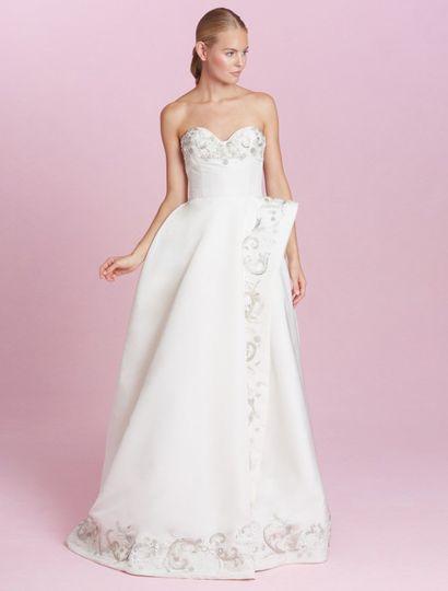 This Oscar de la Renta Carmen 66E22 wedding dress is gorgeous!  The silver bullion embroidery &...