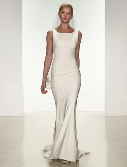 This Amsale Heather A672 wedding dress is definitely a show-stopper!  The fit and flare silhouette...
