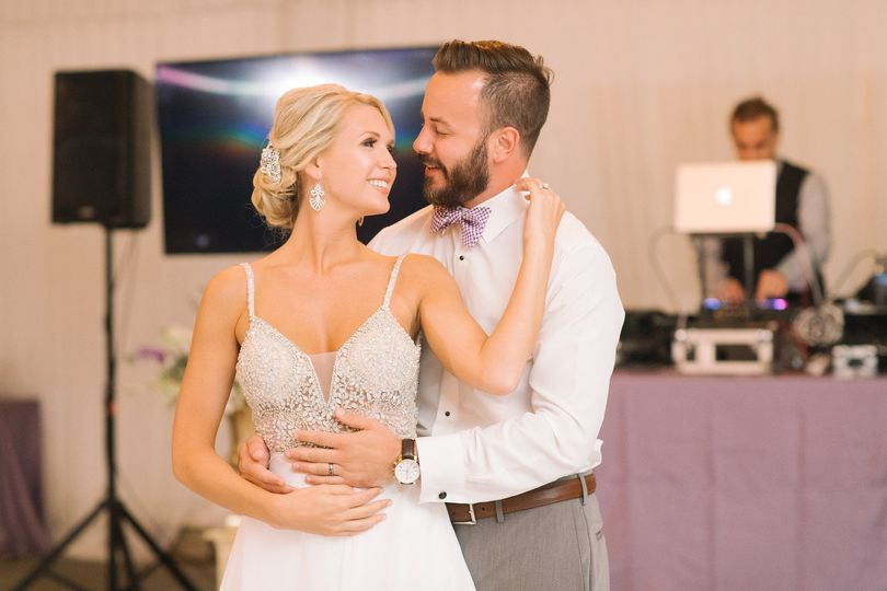 Amazing first dance!