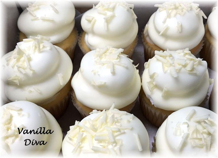 Vanilla Diva Cupcakes