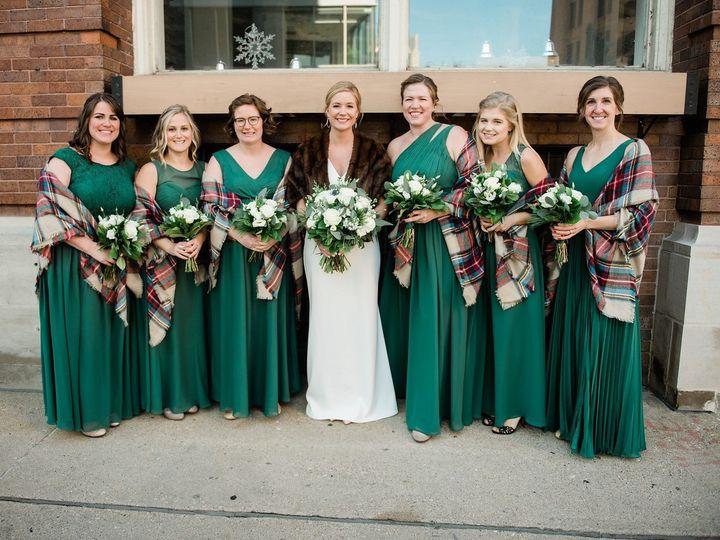 Tmx F1c380b0 96e1 476e A01c C1ecff66a1a9 2993 0000017c26ce97b5 51 91609 1555701223 Milwaukee, WI wedding florist