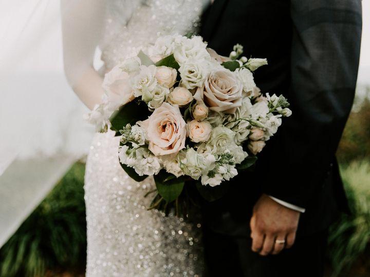 Tmx Kg5d1825 51 91609 1555702149 Milwaukee, WI wedding florist