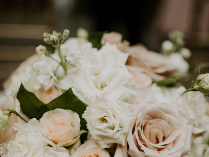 Tmx Kg5d1940 51 91609 1555702151 Milwaukee, WI wedding florist