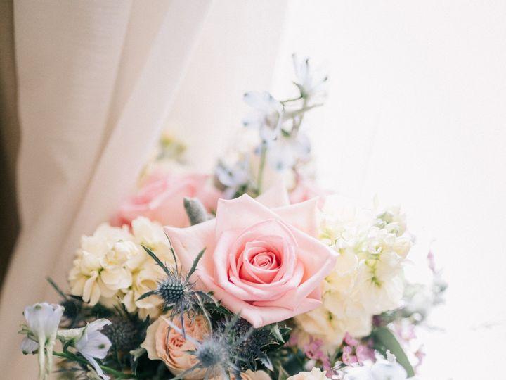 Tmx Sarah Brad Blog 0011 51 91609 1555701260 Milwaukee, WI wedding florist