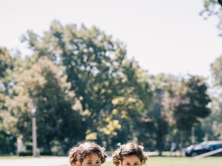 Tmx Sarah Brad Blog 0050 1 1 51 91609 1555701260 Milwaukee, WI wedding florist