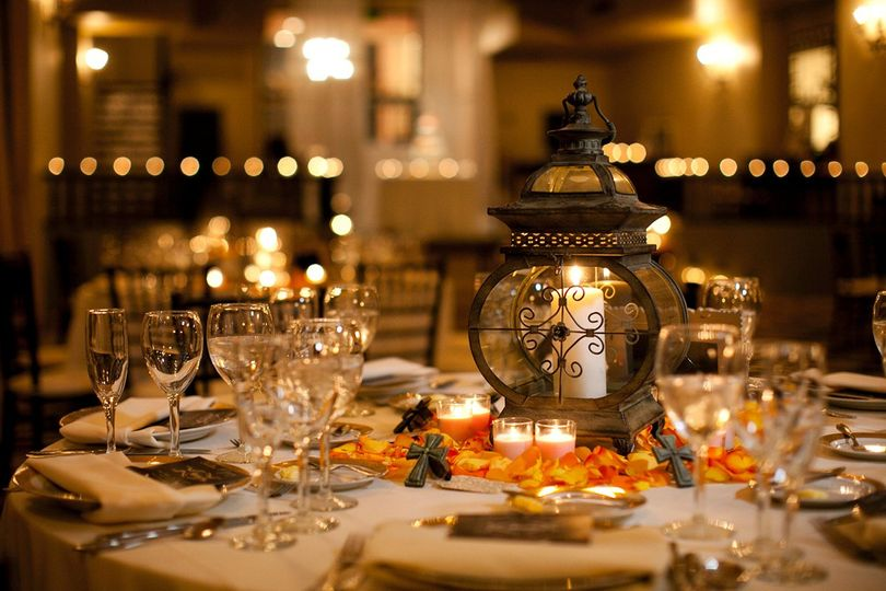 Vintage table decor centerpieces