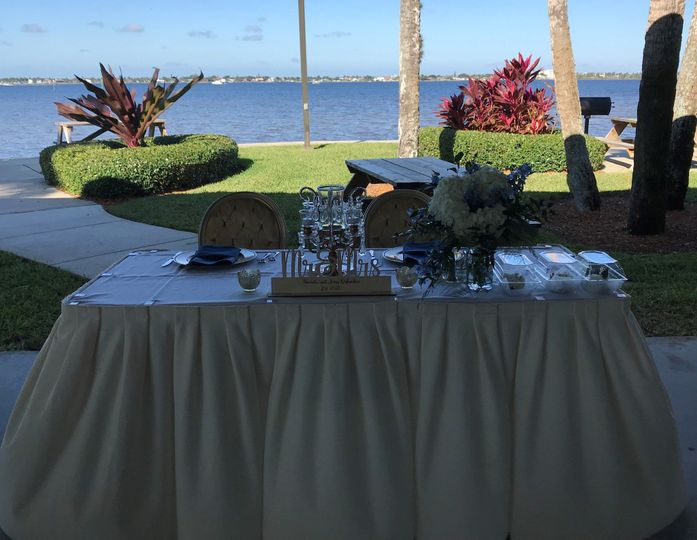 Head Table at Picnic  Pointe