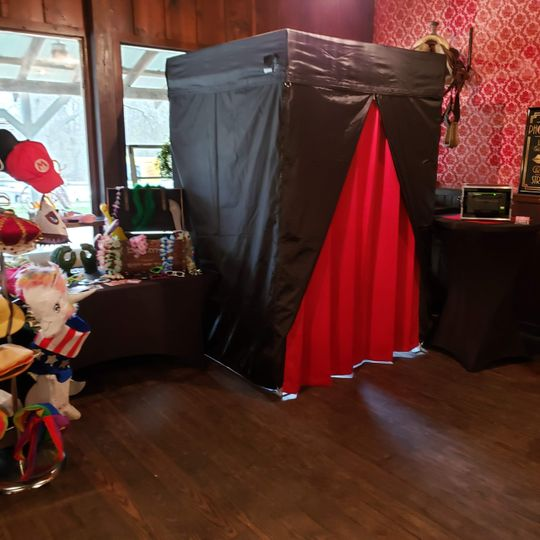 Enclosed Style Booth
