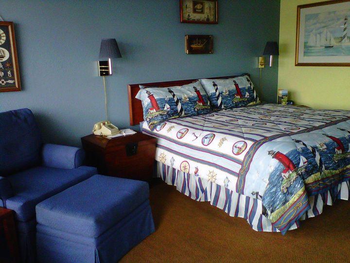 Monterey Inn & Marina Bedroom