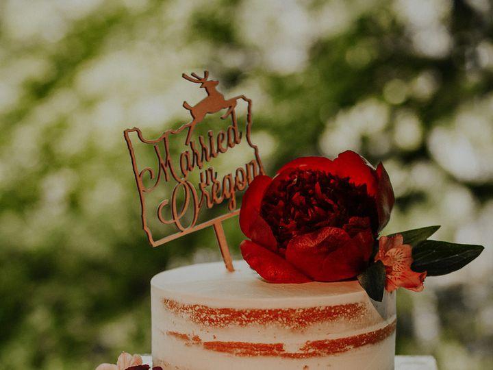 Tmx 1510027036729 Hazelwoodphotomagnesstreefarmwedding154 Beaverton wedding cake