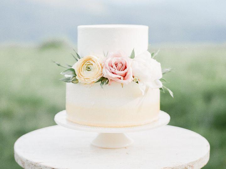 Tmx 1510027111899 3 1 Beaverton wedding cake