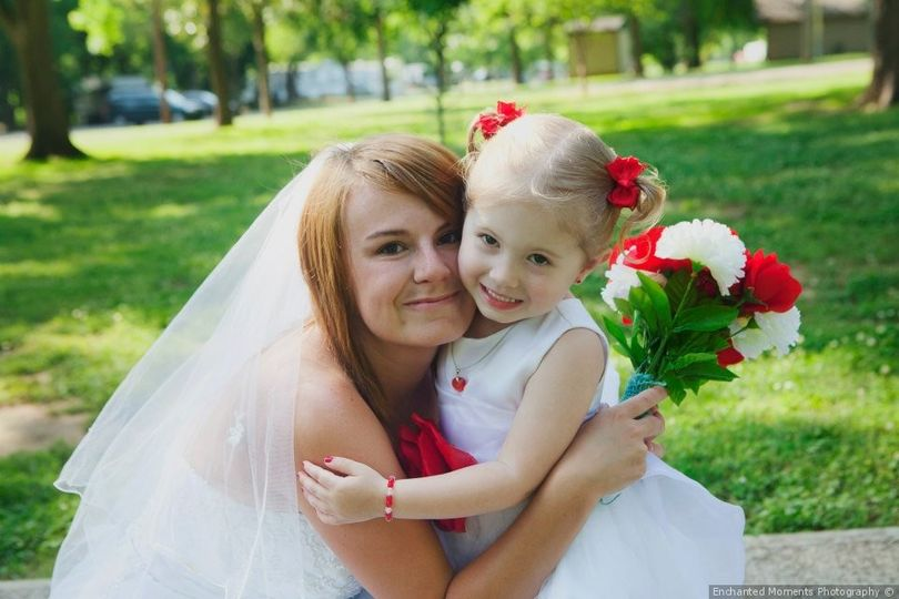The bride with a cute little girl