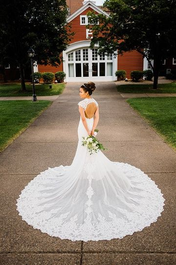 Showcasing the gown to perfection