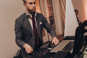 DJ Tonez