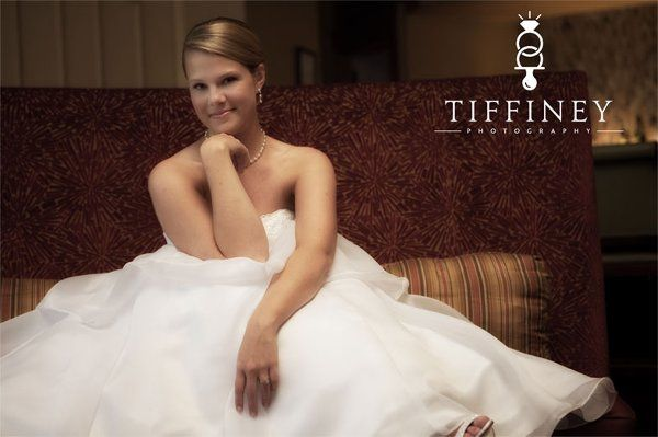 chateau elan bridal portraits - the lounge