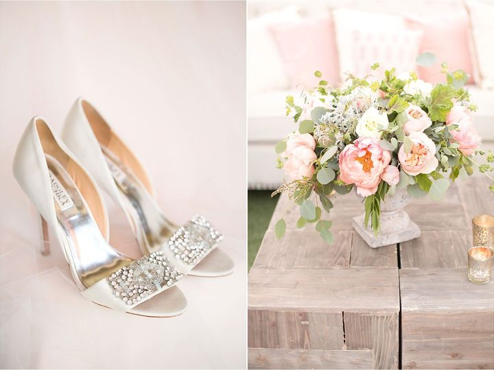 Tmx 1536008476 8092cf1466a78974 1536008475 490788501283b61e 1536008475063 21 Shoes And Flowers Mineola wedding videography