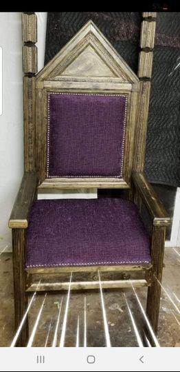 Classic throne