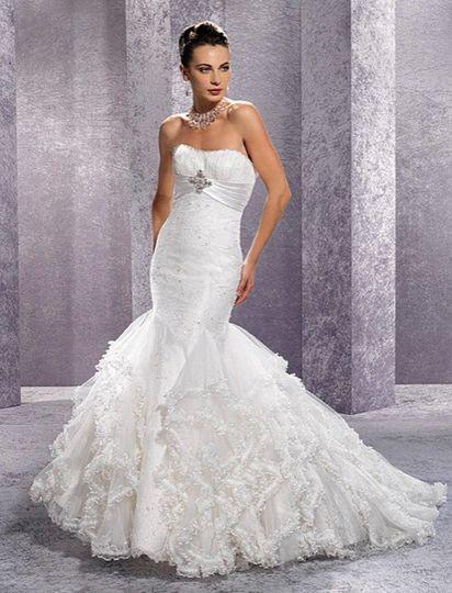 She 39 s so beautiful consignment bridal photos dress for Wedding dress consignment denver