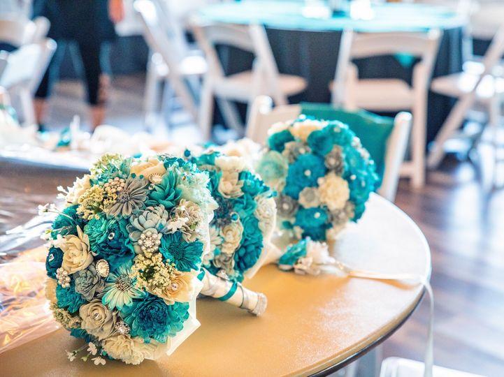 sola wood bouquet 8 51 2030019 162229783643096
