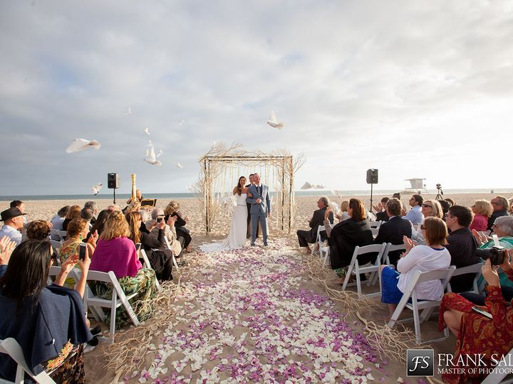 Tmx 1515781577 E7bb4a6d0a281d58 1515781575 E58c7c6cc5ad6af4 1515781572715 1 Beach 1 Huntington Beach, CA wedding venue